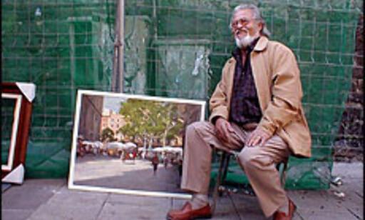 På Plaça de Sant Josep Oriol arbeider Jorde Serrat Mallarch.  Foto: Inga Holst Foto: Inga Ragnhild Holst