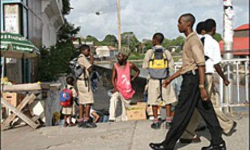 Gateliv i hovedstaden Bridgetown. (Foto: Dag Yngve Dahle).