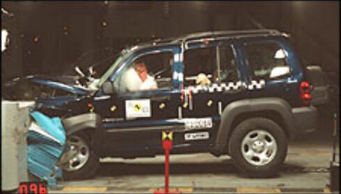 25 POENG: Setebeltevarsler sørget for Jeep Cherokees fjerde stjerne.