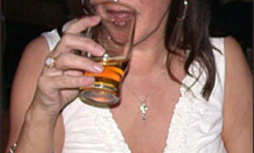 En øl og en chat, hva kan være bedre enn det?  Foto: Inga Holst Foto: Inga Holst