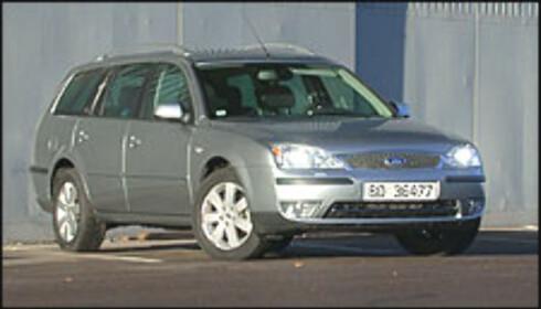 RÅ DIESEL: Fords Mondeo 2.0 TDCi klarer 0 til 100 på 10,1 sekunder - 0,1 sekund raskere enn samme bil med 145-hesters bensinmotor under panseret.