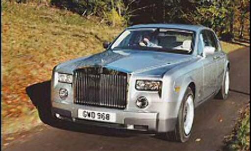 163 I NORGE: Selv om Rolls Royce alltid har vært et svært dyrt bilmerke, finnes det faktisk 163 eksemplarer her i landet. Her en Rolls Royce Phantom.