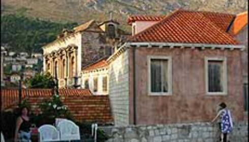 Nytt og restaurert har reist seg fra ruinene. Dubrovnik ble fjernet fra risikolisten hos UNESCO i 1998. Foto: Elisabeth Dalseg Foto: Elisabeth Dalseg