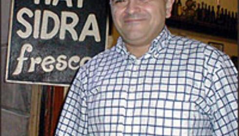 Juan Carlos Ninou, tredjegenerasjons eier av El Xampanyet i Barcelona.  Foto: Inga Holst Foto: Inga Holst