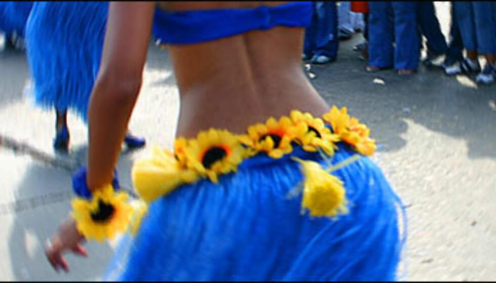 I Batalla de flores, på karnevalets første dag, danser en rekke organisasjoner og karnevalstrupper gjennom gate 40 og Paseo Bolívar, alle i fantastiske og forseggjorte kostymer.<br /> <br /> <i>Foto: Inga Holst</i> Foto: Inga Holst