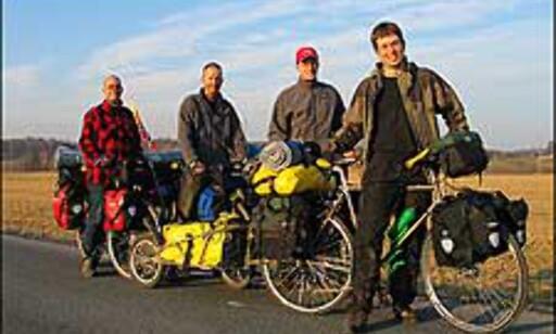 Sykkelekspedisjon2005: Fra venstre - Sigbjørn Moen, Lyngve Skrede, Eric Mortensen og Jardar Valand.