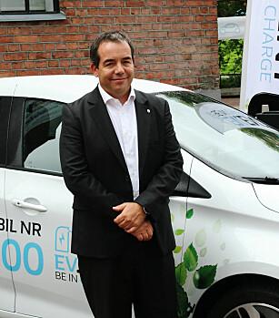 FORNØYD: Eric Feunteun har i mange år jobbet med det elektriske programmet til Renault. Foto: Magnus Gulbrandsen Arnkværn