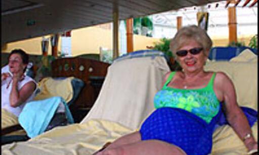 - We love to go on cruise, sier denne damen ombord på Celebritys skip Constellation. Foto: Inga Holst