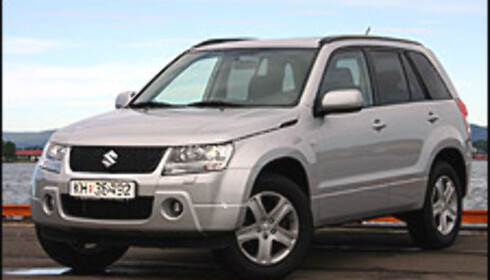 SUZUKI GRAND VITARA: Mangler ESP. Ifølge Suzuki-importøren vil diesel-utgaven få ESP i juli, mens bensinutgaven først får den elektroniske skytsengelen i september.