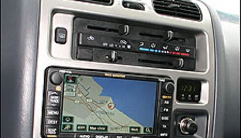 Navigasjon med stor skjerm koster 16.900 kroner. Klimaanelgg koster 9.500 kroner ekstra.