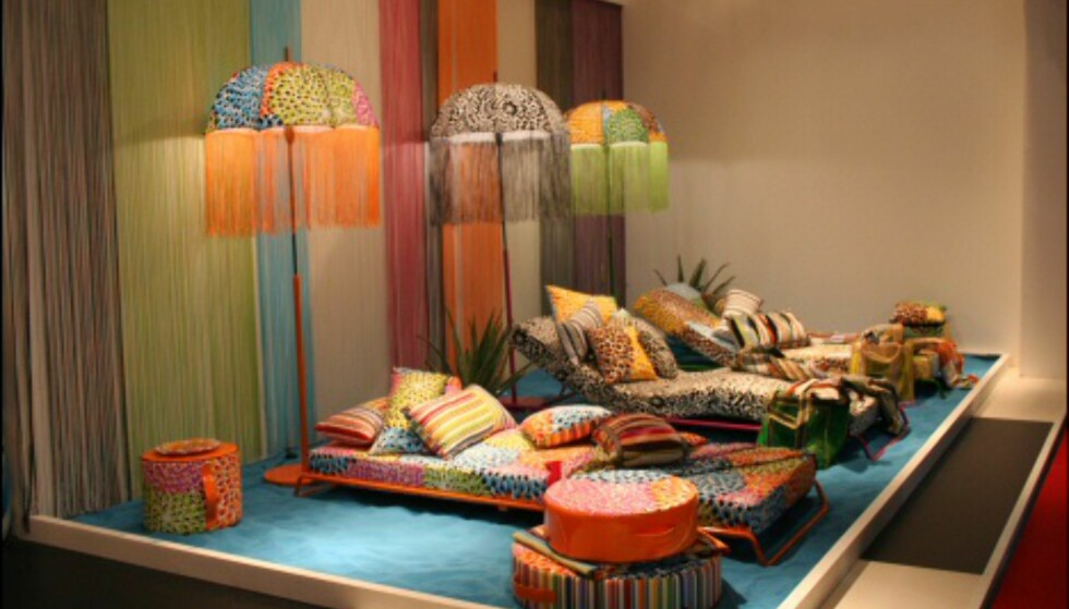 Farger og mønster i en deilig miks. Fra Missonis stand på Møbelmessen i Milano, 2006. Foto: Elisabeth Dalseg