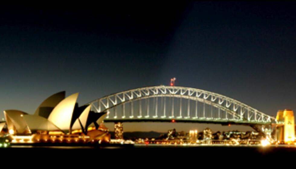 Sydney Harbour i all sin glans. Og det kan koste under 10.000 kroner å komme dit. Foto: Simon Hutchings