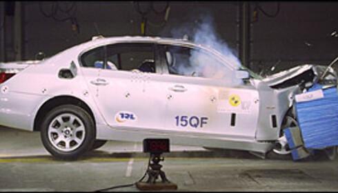 42 POENG: Mange ble overrasket da det viste seg at BMW 5-serie kun ble tildelt fire Euro NCAP-stjerner i 2004. Det mange overså, var at 5-serie oppnådde hele 42 poeng i barnebeskyttelses-testen, den nest beste poengsummen som foreløpig er oppnådd.