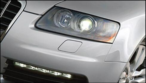 Audi var tidlig ute med diodebaserte kjørelys. Her en Audi S6.