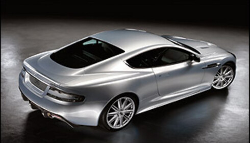 James Bond trofast mot Aston Martin