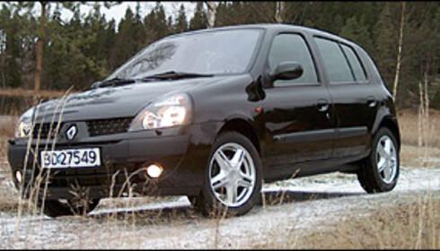 FARLIG: Forrige generasjon Renault Clio (1998-2005) ender opp med karakteren 1. Folksam fraråder sine kunder å kjøre de 59 bilene som får denne karakteren. Folksam er også skeptisk til de 76 modellene som får karakteren 2.