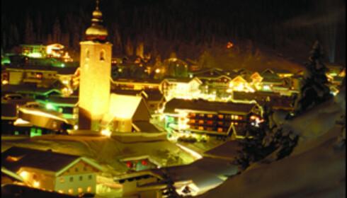 Lech by night.