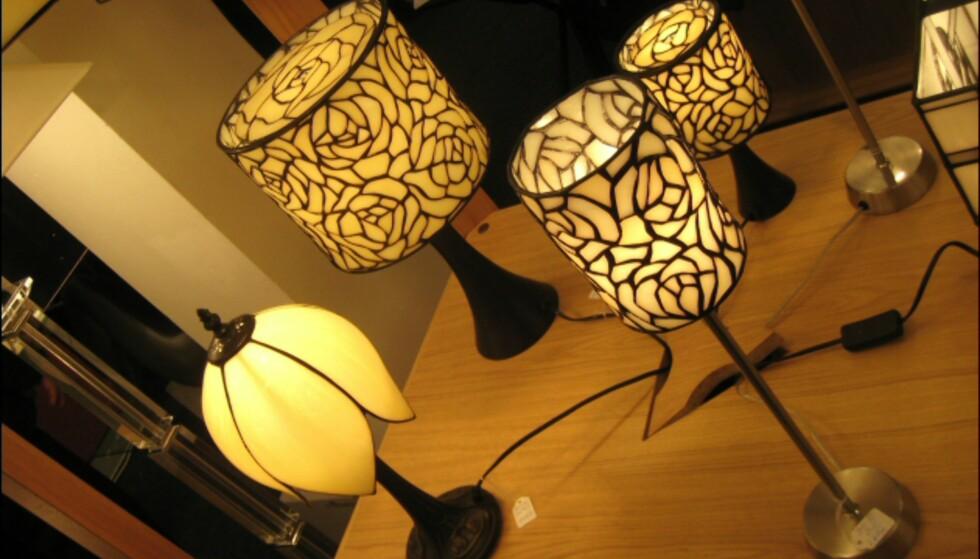 Tiffanylampene holder stand.