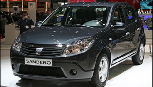 """RIMELIG: Dacia Sandero. """"By Renault""""."""