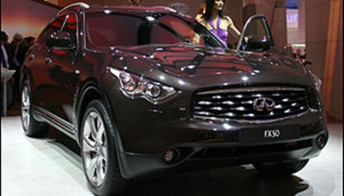 NYE I EUROPA: Infiniti hadde première for luksus-SUVen FX50 i Genève.