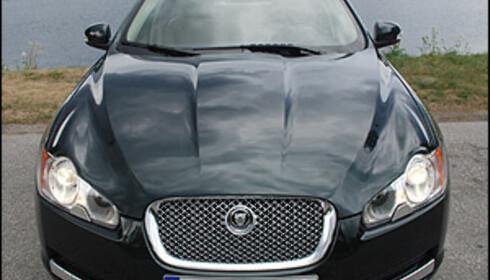 Ny og lekker Jaguar prøvekjørt