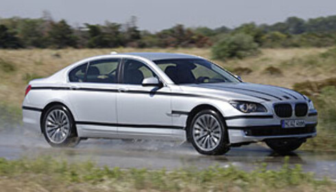 Ny BMW 750 prøvekjørt