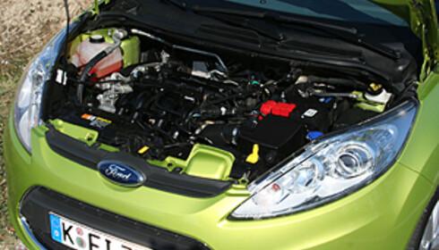 Toppmotorisering: 1.6/120 hk. Uvant - men mer interessant - å se nye motorer uten deksel. Foto: Knut Moberg