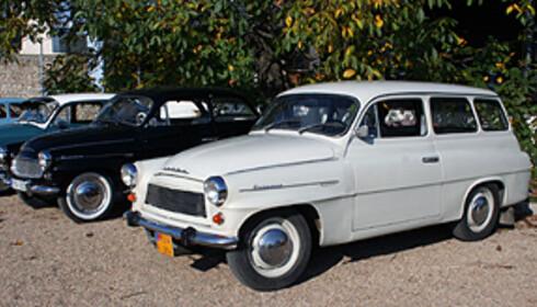 Dette er en Octavia fra tidligere tider (den kom i 1959), og vi fikk kjøre den. En helt annen verden! Foto: Knut Moberg