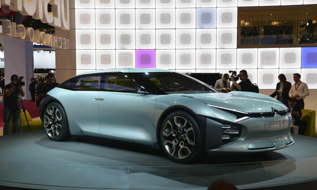 STOR: Konseptbilen til Citroën er både stor, lang og lav. Dette kan se veldig lovende ut for fremtiden. Foto: Jamieson Pothecary
