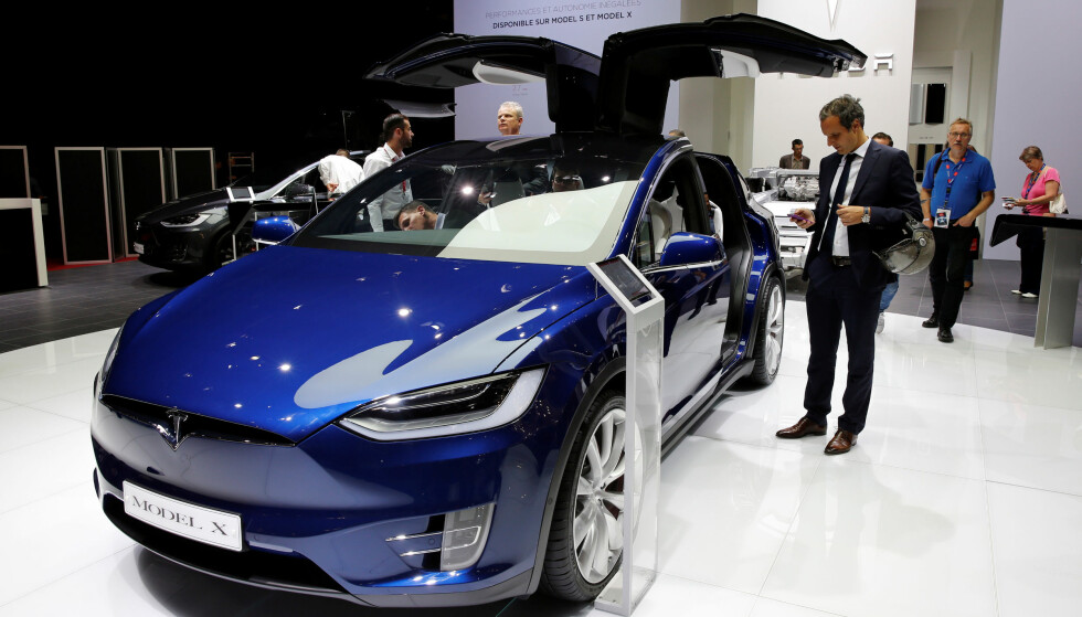 The Tesla Model X car is displayed on media day at the Paris auto show, in Paris, France, September 29, 2016. REUTERS/Benoit Tessier