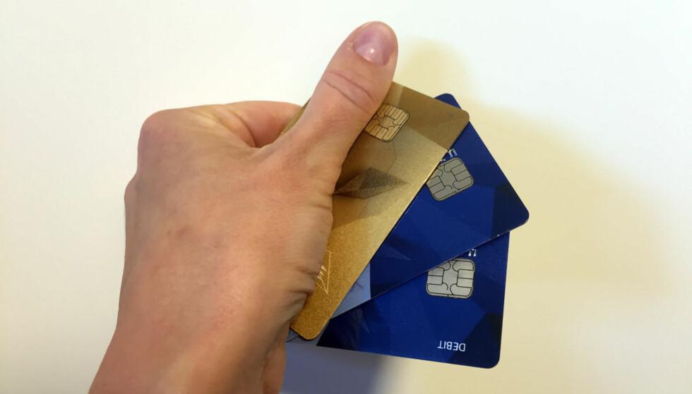 <strong>FORDELER:</strong> Ofte er det lurt å bruke kredittkort - så lenge du bruker det fornuftig. FOTO: Linn M. Rognø.