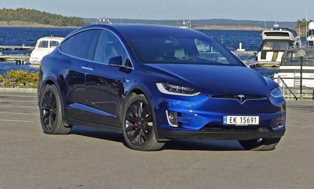 KANONSPURT: Med 1.400 registreringer i desember var Tesla Model X mest solgte bilmodell den måneden, og ble dermed fjerde mest solgte bilmodell totalt i 2017 - og tredje mest solgte elbil. Foto: Knut Moberg