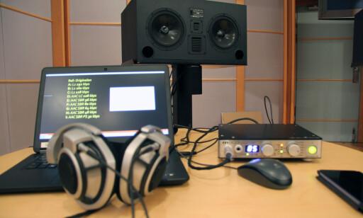 STILLE: NRK stilte et studio med lyddemping til disposisjon. (Foto: Stereo+)