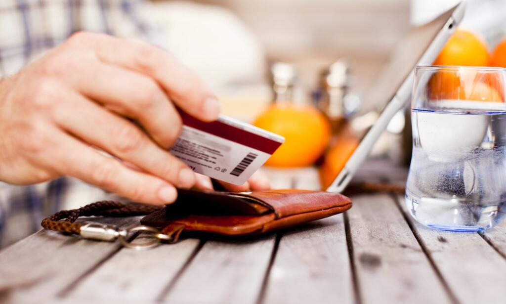 BLAKK: Du kan klare å betale ned på en stor gjeld ved å skaffe deg en oversikt over forbruket, søke hjelp hos banken og kreditorer, og lage deg en god nedbetalingsplan. Foto: NTB Scanpix