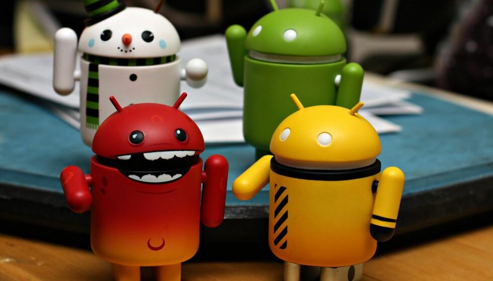 """Widgets er små programmer som kjører direkte på Android-hjemskjermen. Foto: <a href=""""https://www.flickr.com/photos/68935484@N00/5735032857/"""">Little Android Figurines</a> av Family O'Abé, <a href=""""https://creativecommons.org/licenses/by/2.0/"""">CC-BY</a>"""