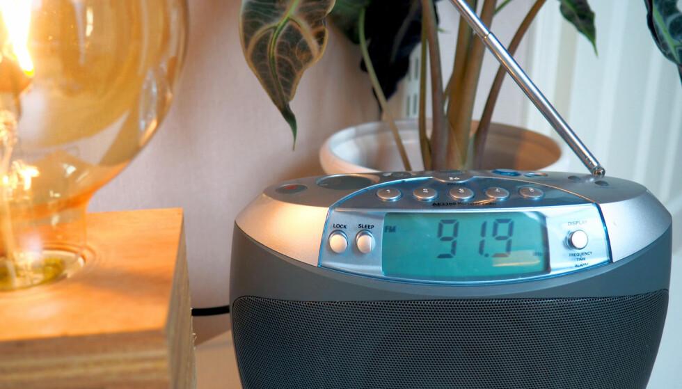 SE NÅR DET ER SLUTT FOR FM-SENDINGER PÅ RADIO: 11. januar starter de store radiokanalene å skru av FM-sendingene til fordel for DAB+. Startskuddet går i Nordland, og så går det videre fylkesvis utover året. Se når riksradiokanalene skrur av FM-sendingene der du bor. Foto: Kristin Sørdal