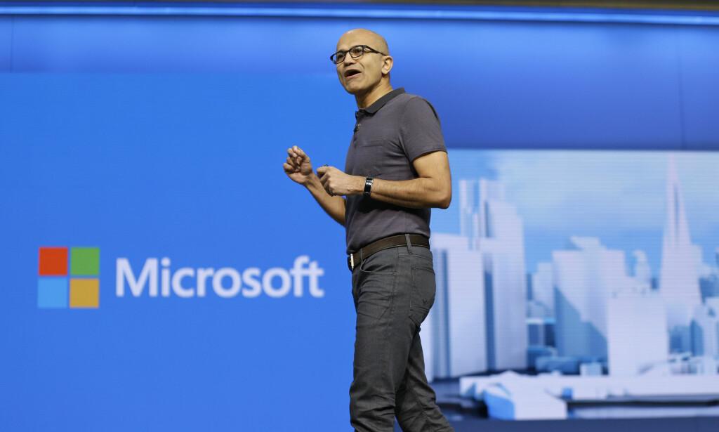 WINDOWS-NYHETER: Microsoft-sjef Satya Nadella skal vise frem Windows-relaterte nyheter på en pressekonferanse i New York onsdag kveld norsk tid. Foto: Eric Risberg/AP Photo/NTB Scanpix