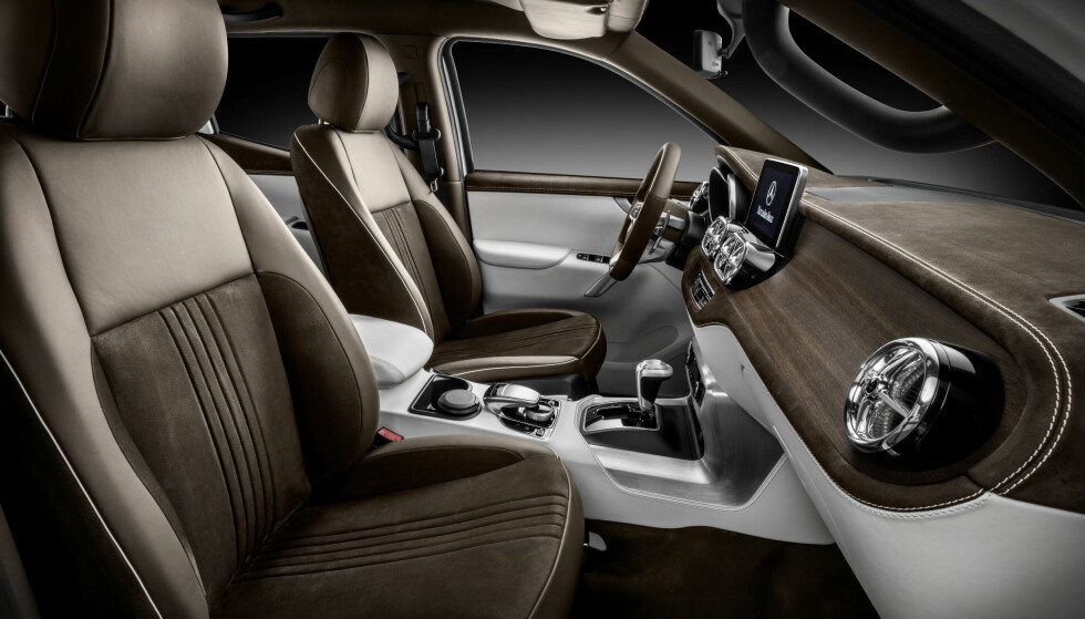 <strong>SOM EN PERSONBIL:</strong> Interiøret skal være like lekkert i denne arbeidsbilen som i en personbil. Foto: Mercedes-Benz