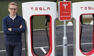 - INGEN KOMMENTAR: Kommuikasjonssjef Even Sandvold Roland og Tesla Norge har ikke noe de vil ha sagt om de privatimporterte Tesla Model 3-ene i Mandal. Foto: Tesla Norge