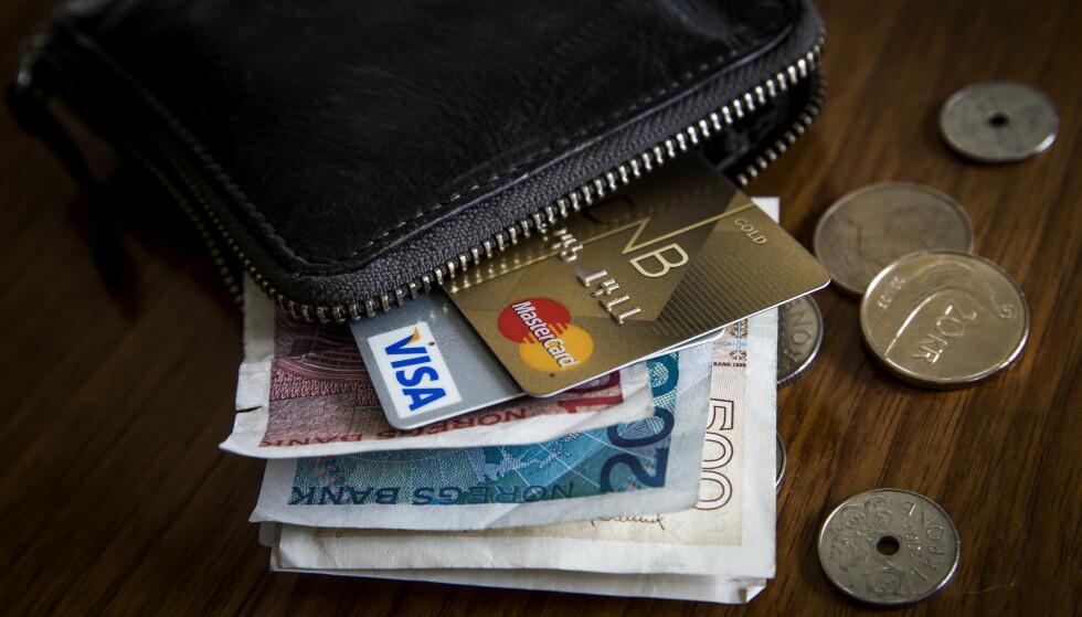 HALV SKATT: Normalt er det halvt skattetrekk på desemberlønna, men nå åpner Skatteetaten for at det kan bli gjort i november. Foto NTB Scanpix