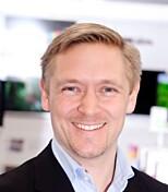 SELGER TV-ER UTEN MOTTAKER: Kategori-direktør Andreas Westgård i Elkjøp. Foto: Elkjøp