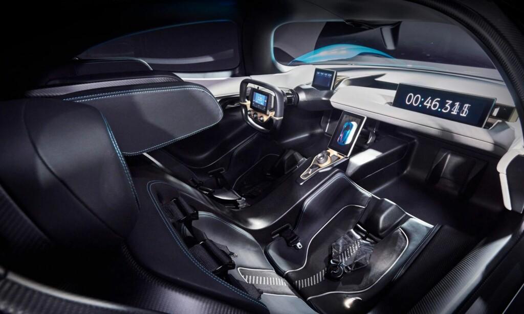 PUR RACER: Det er tydelig at EP9 er bygget for å vise for fart og rekorder - altså å demonstrere hva den ferske elbilprodusenten er i stand til å gjøre allerede i dag. Denne bilen skal plassere NextEV på kartet, men tanken er å lansere mer folkelige og anvendelige elbiler ganske snart. Foto: NextEV