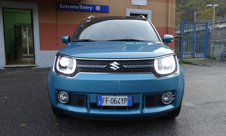 <strong>HAR KARAKTER:</strong> Nye Suzuki Ignis fremstår ikke som bare nok en anonym småbil i mengden. Foto: Knut Moberg
