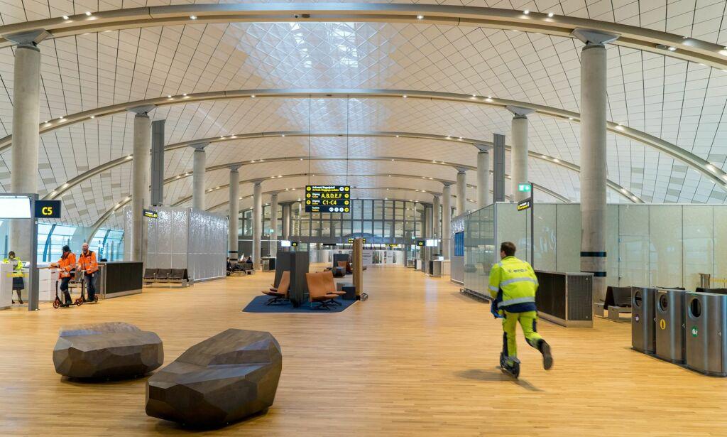 image: Bli med rundt på nye Oslo lufthavn