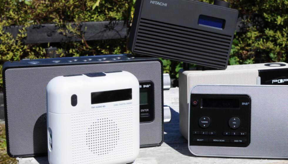 STORT UTVALG: DAB-radioer kommer i alle fasonger og prisklasser. Tenk over hva du skal bruke radioen til før du velger.