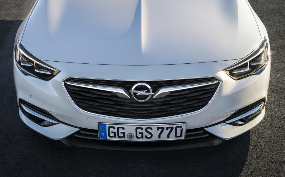 NY, STØRRE OG LETTERE: Opel lanserer til neste år en helt ny bil i mellomklassen for å konkurrere mot VW Passat og Ford Mondeo. Foto: Opel