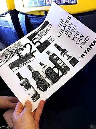 RYANAIR LOVER BILLIGE VARER: Men de er fremdeles billigere i butikken på reisemålet. Foto: Kristin Sørdal