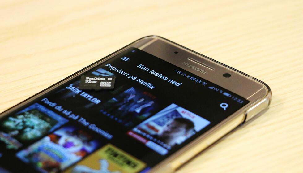 LAST NED: Nå kan du lagre Netflix-innhold på telefonen. Foto: Pål Joakim Pollen
