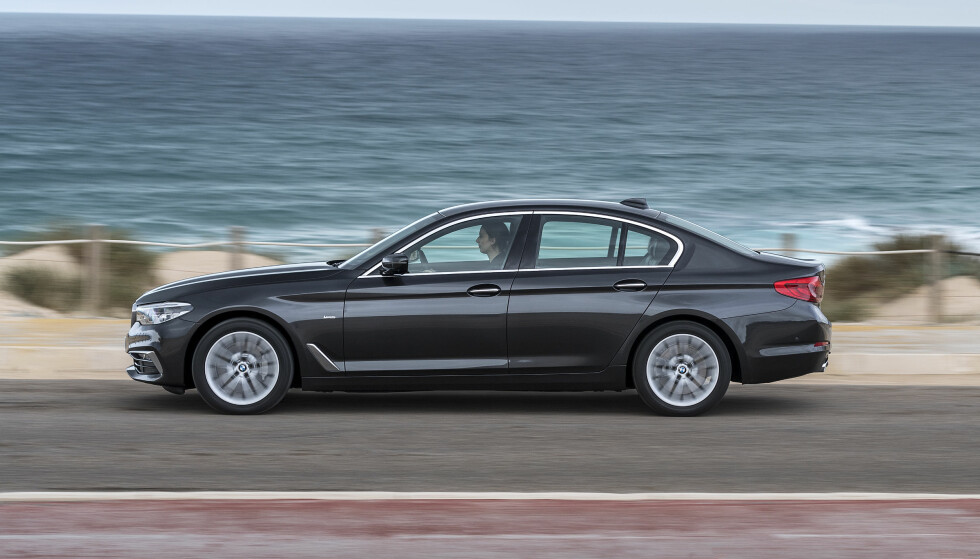 EFFEKTIV PROFIL: BMW har tatt maksimalt med grep for å redusere luftmotstanden på nye 5-serie. Den er oppsiktsvekkende lav. Foto: BMW