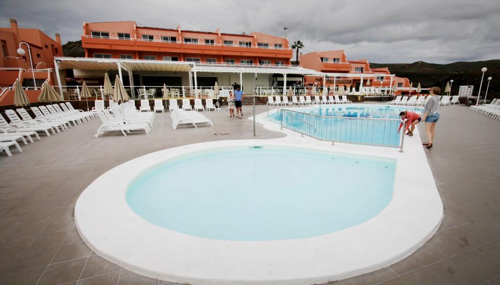 FLERE BASSENGOMRÅDER: Dette er et av to bassengområder på all inclusive-hotellet. Foto: Ole Petter Baugerød Stokke